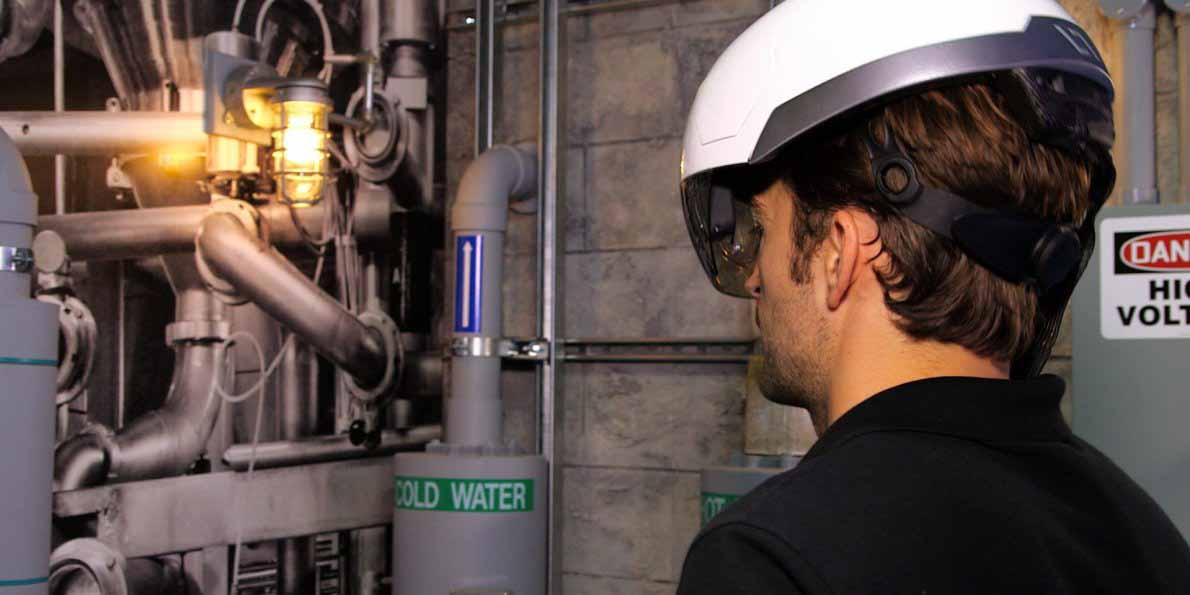 this-smart-construction-helmet-could-help-engineers-detect-malfunctions-much-faster