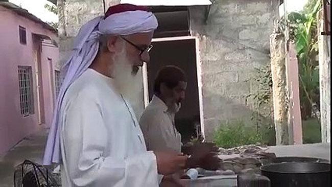 Maulana Abdul Aziz As A Cook
