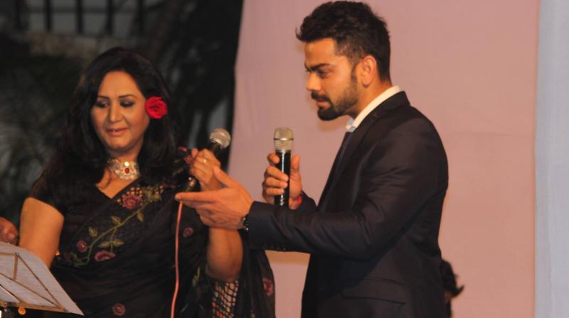 Virat Kohli Sings 'Jo Waada Kiya Wo Nibhana Padega'