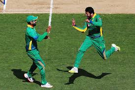 Azhar Ali Gets The Wicket Of Guptil And Willaimson 3rd ODI Pak vs NZ