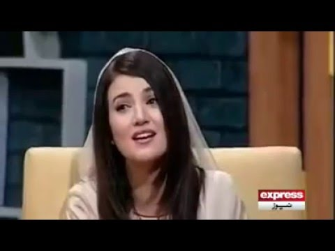 Reham Khan Singing in a Live Show