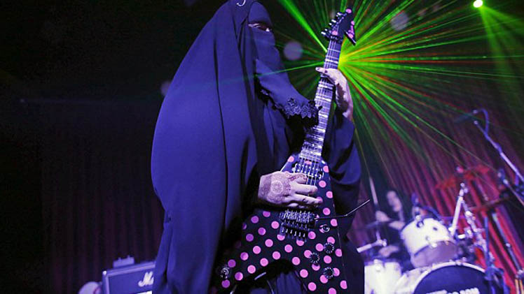 Muslim Thrash Metal Guitarist Who Wears Niqab