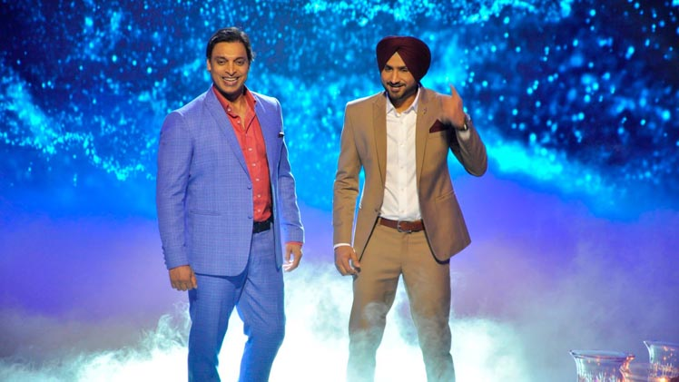 Shoaib Akhtar Flirts With Host
