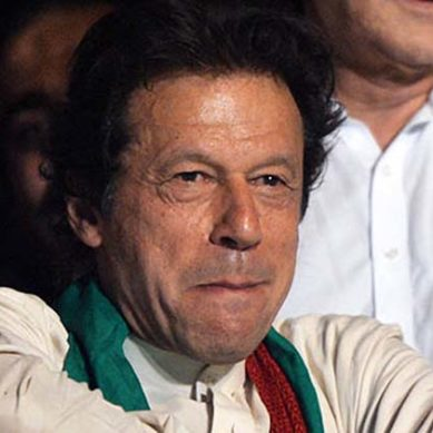 "Imran Khan's Open Challenge ""I'm a good catcher; hurl a shoe and I'll throw it back"""