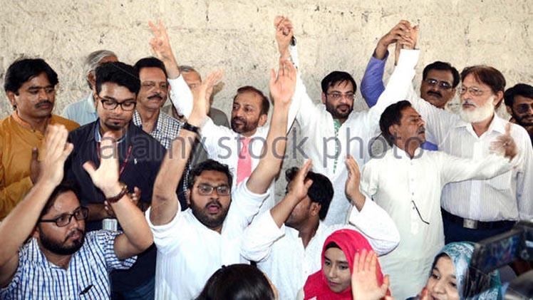 muttahida-qaumi-movement-leader-dr-farooq-sattar-and-amir-liaquat-gg04rc