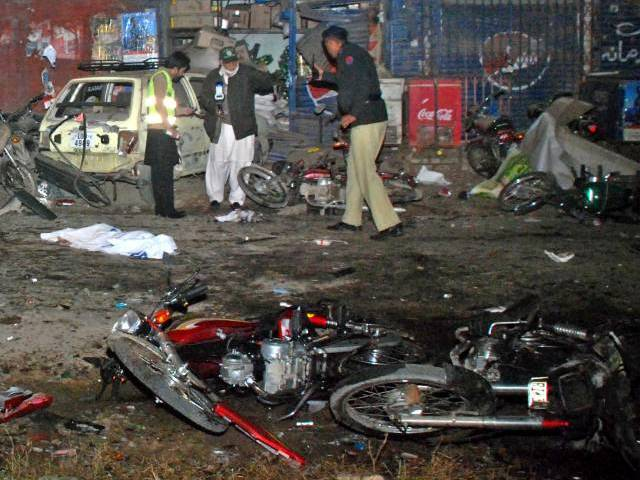 Blast near Quetta's mosque kills 4 policmen