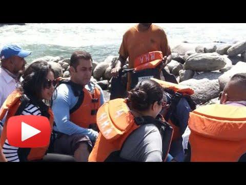 Salman-Khan-Enjoys-River-Rafting-In-Manali-Tubelight-Shooting