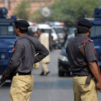 Open Bribe Taken By Faisalabad Police