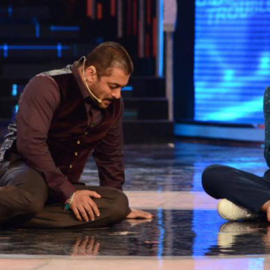 Salman Khan Begs Deepika Padukone