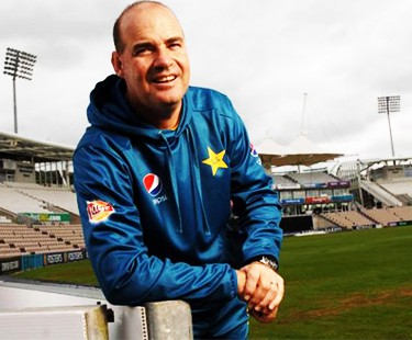 Arthur Wants Pakistan To Go Flat Out Against High-Flying England