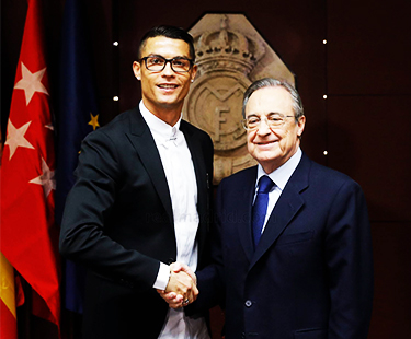 Cristiano Ronaldo Signs His Contract Extension With Real Madrid