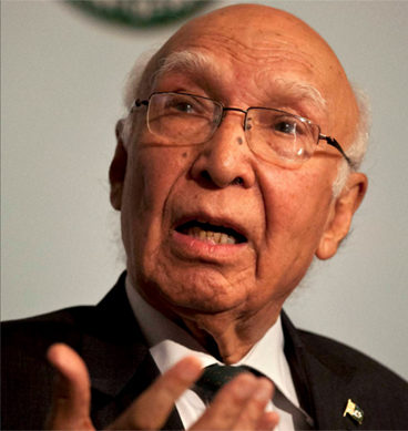 Sartaj Aziz Emphasizes On Resolving The Kashmir Issue