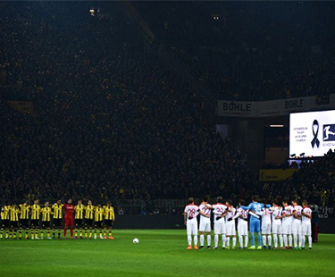 Bundesliga Teams Pays Tribute To The Victims Of Berlin
