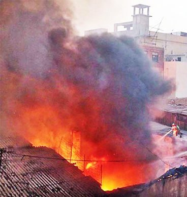 Karachi Chemical Warehouse Fire Finally Extinguished
