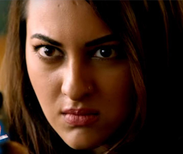 Sonakshi Sinha's Martial Arts Stunt on Stage