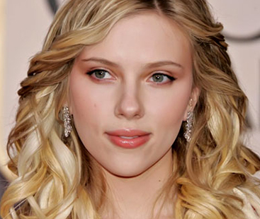 Scarlett Johansson Split With French Husband