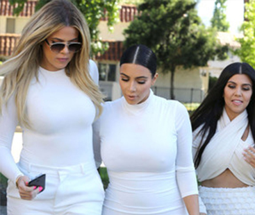 "Khloe Admits She Was ""Insecure"" Growing Up With Kim"