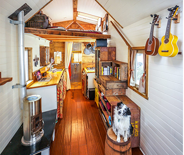 Couple Travels The Country In Tiny Home