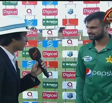 Shoaib Malik Having Some Fun With Rameez Raja