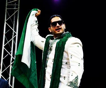 PWE: Badshah Khan Defeated WWC Heavyweight Champ Carlito In Karachi