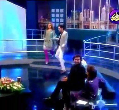 Kubra Khan Show Her Moves At Live Show