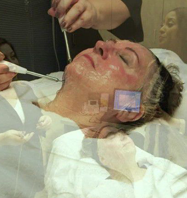 Microcurrent-Facial-Giving-Faces-A-Workout-NEWWW