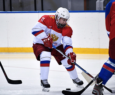 Putin Plays Hockey With Jean-Claude Killy