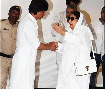 Shah Rukh Khan Got Emotional At Vinod Khanna's Condolence