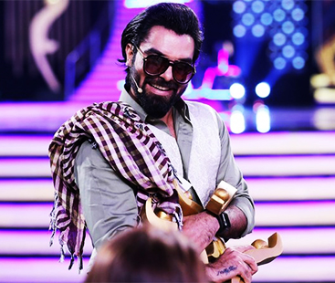 Yasir Hussain's Terrible Hum Awards Joke Proofs Desi Comedians Need A Reality Check
