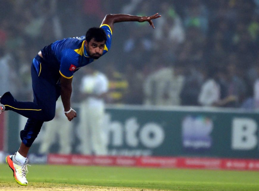 Sri Lankan cricket captain Thisara Perera delivers a ball during the third and final T20 cricket match between Pakistan and Sri Lanka at the Gaddafi Cricket Stadium in Lahore on October 29, 2017. Photo: AFP
