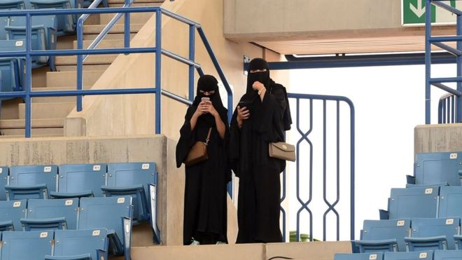 Saudi Arabia announces that women will be able to enter stadiums for the first time