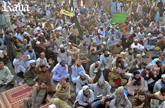 IHC gives Saturday deadline to clear Faizabad Interchange of sit-in
