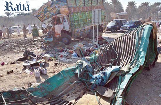 At least 18 killed, six injured as truck falls over van near Khairpur