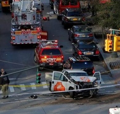 """United States: at least 8 people killed in multiple hit in Manhattan described as """"terrorist act"""" by the mayor of New York"""