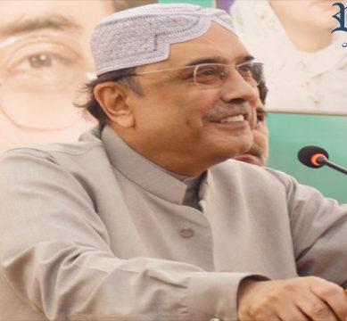 Zardari blames Sharif, Imran for 'crisis'
