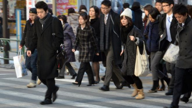 """The young woman who died in Japan after working 159 extra hours in a month and whose death reopened the debate on the """"karoshi"""""""