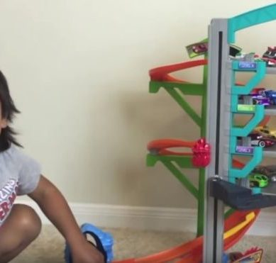 The child who earns US $ 11 million a year for unpacking toys on YouTube