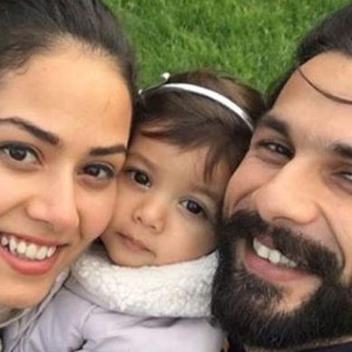 Shahid Kapoor, wife Mira Rajput and daughter Misha's perfect family selfie