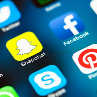 Companies that promise to cure you of your addiction to social networks like Facebook, Twitter or Snapchat (and how they do it)