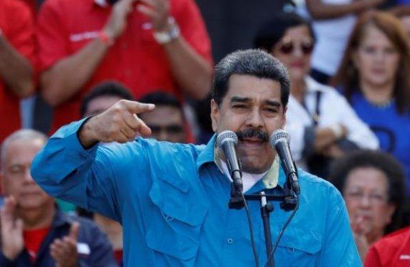 Venezuela's presidential battle begins, Nicolas Maduro favorite