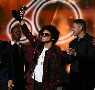 Grammy 2018: the singer Bruno Mars surprises and wins the 3 most coveted music awards