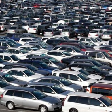 Used cars create gridlock at Karachi port