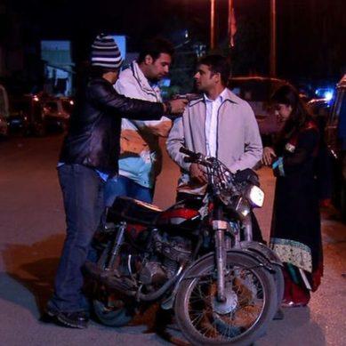 Mobile phone snatchings, motorbike thefts in Karachi increased in 2017