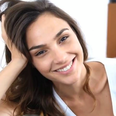Gal Gadot reflects on her incredible last year with 'best 9 of 2017' photo