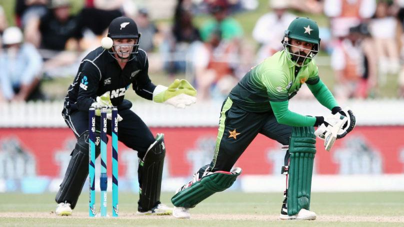 NZ steady in chase after Sarfraz, Hafeez lift Pakistan to 262