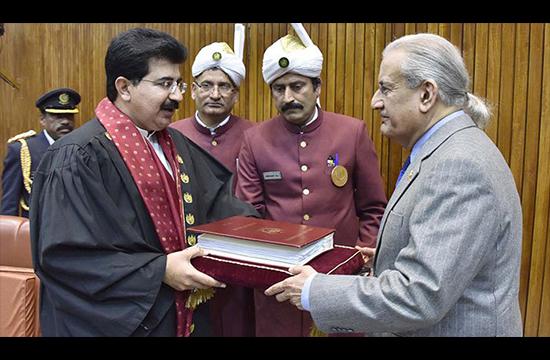 PML-N loses Senate race as Sanjrani, Mandviwalla take top posts