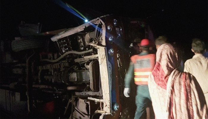 Another Mishap! 20 Injured as Bus Flips Over in Chiniot
