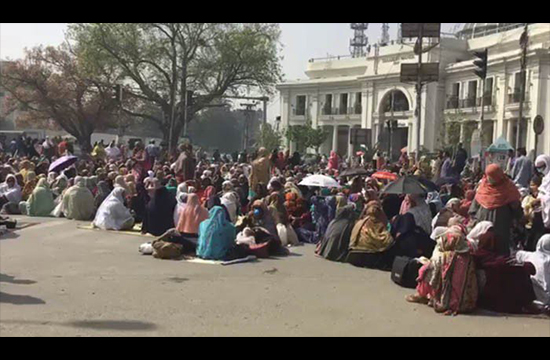 Lady Health Workers continue to demonstrate their demands on Mall road, Lahore