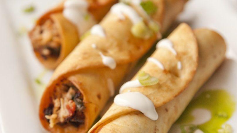 Chicken Mayo-Garlic Rolls