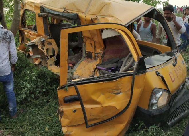 Uttar Pradesh: School bus hits train, 13 students expire